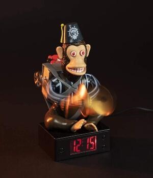 Despertador mono chocando los platillos de Call of Duty