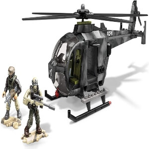 Juguete dos personajes con helicoptero Call of Duty