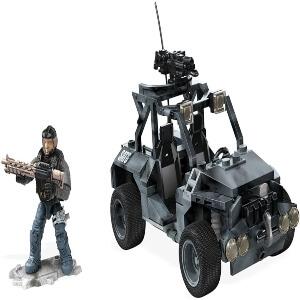 Juguete personaje con coche Call of Duty