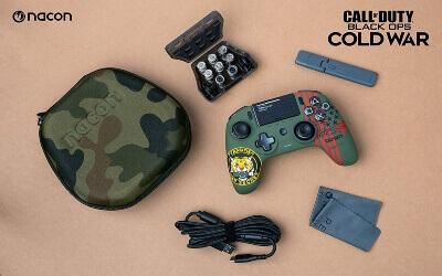 Mando de Call of Duty con accesorios