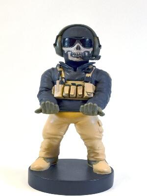 Soporte con cargador del personaje Simon Ghost de Call of Duty
